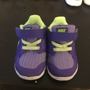 Gently worn toddler Nike sneakers in size 4C